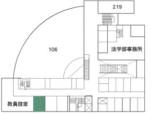 8号館2階214号室法律科目学習相談室 (教員室の左隣)