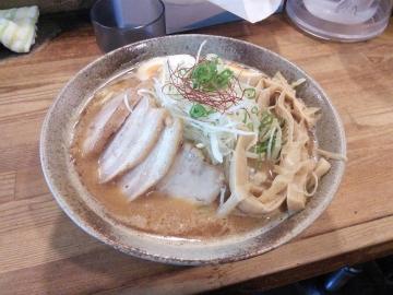 西早稲田キャンパス近くのラーメン屋さん「我羅奢(がらしゃ)」。ボリューム満点のおいしいラーメンです