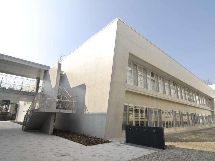 高等学院校舎