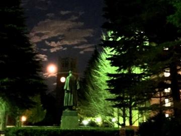 キャンパスの夜景