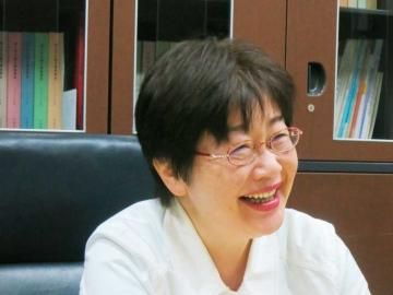 商学学術院長・商学部長 嶋村和恵 商学学術院教授