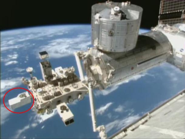 図1 CALETの取り付けポートと船外実験プラットフォーム(出典:NASA/JAXA)