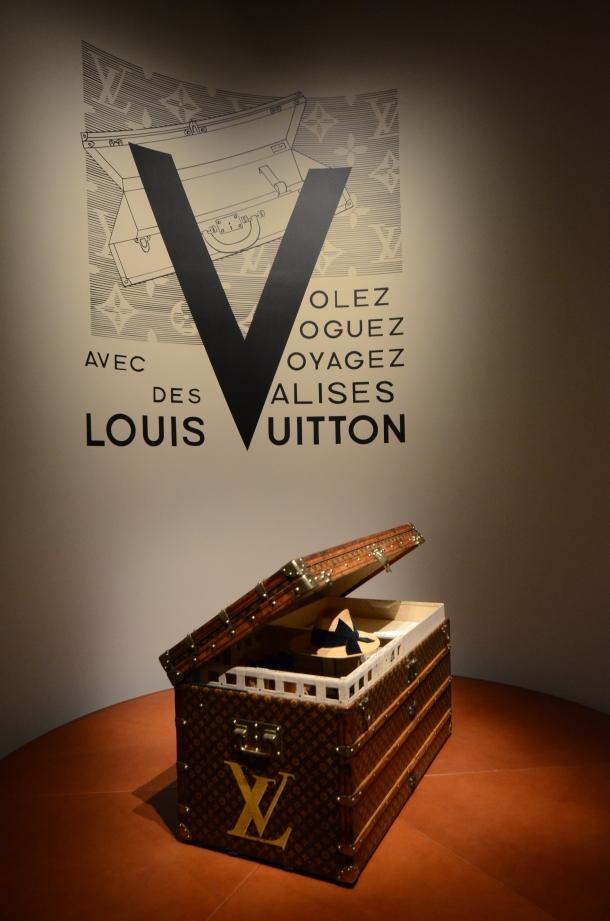 講演は「空へ、海へ、彼方へ― 旅するルイ・ヴィトン展」特設会場にて実施されました