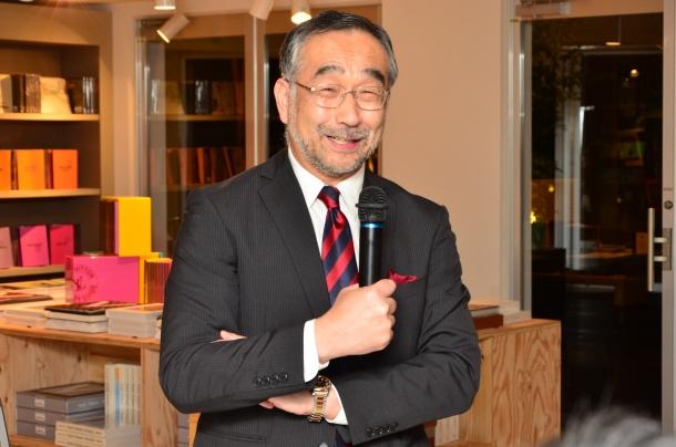 ルイ・ヴィトンと日本の関係性について語る長沢先生