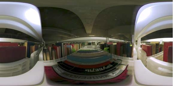 360°映像の例(中央図書館 自動書庫内で撮影)