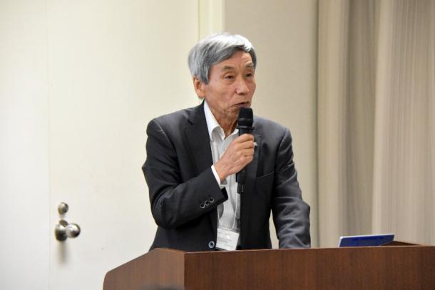 開会の挨拶を行う橋本周司副総長