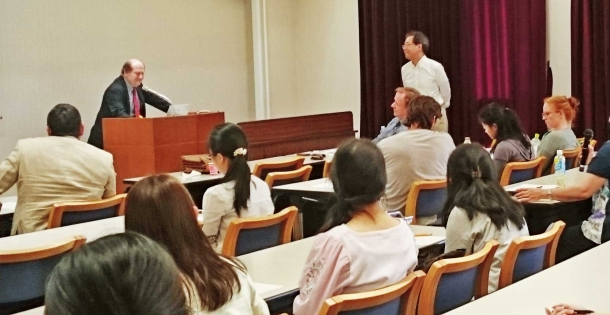 6月19日に開催した拠点のキックオフイベント。ブリュッセル自由大学よりマリオ・テロ教授を招いて講演会を実施した。今後も多数イベントを開催予定