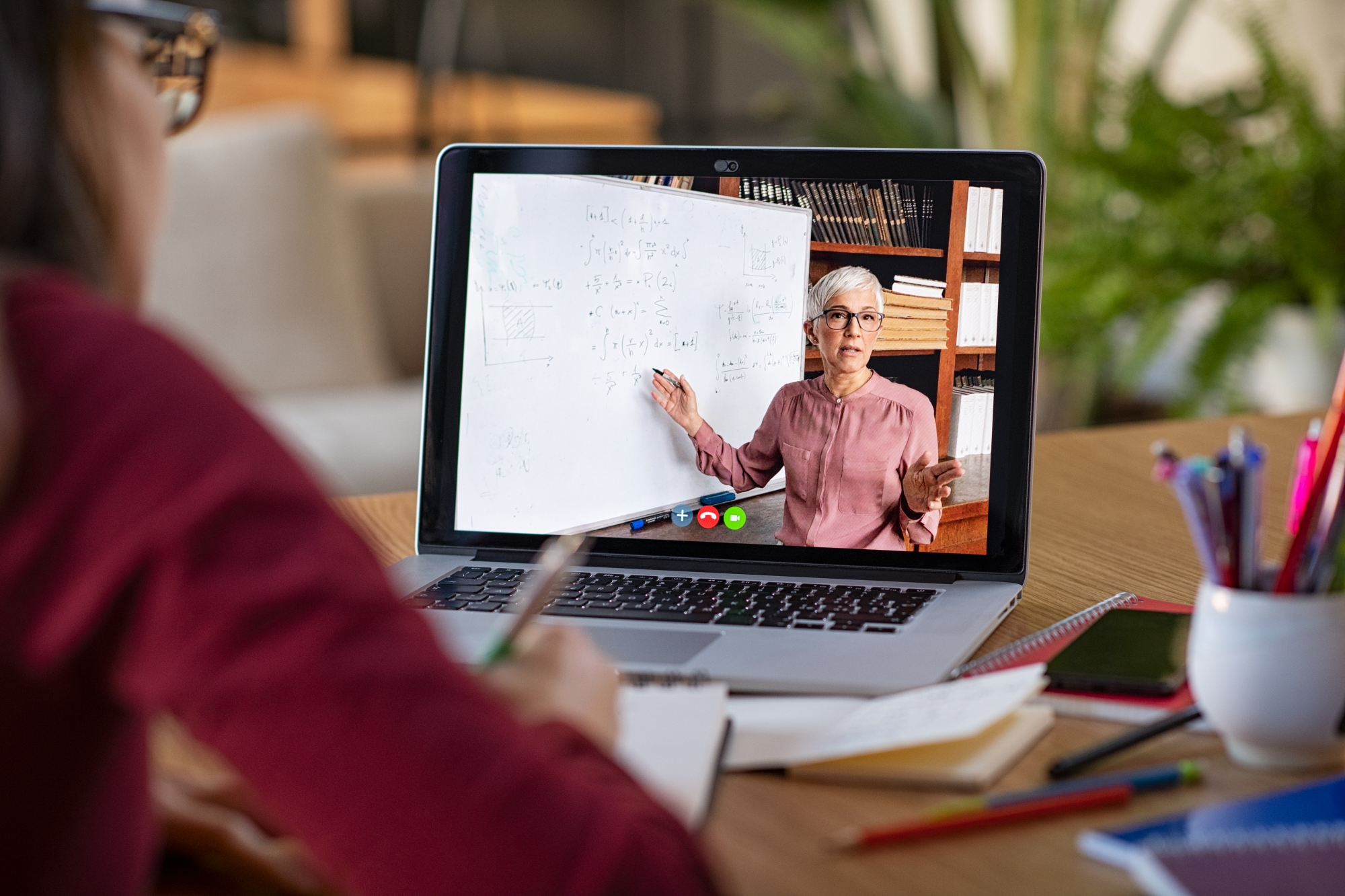 Online Learning: From Substitute for in-Person Classes to Platform for Inquiry