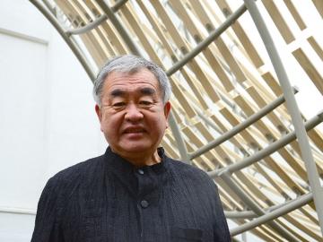 Architect Kengo Kuma visits the newly finished Haruki Murakami Library