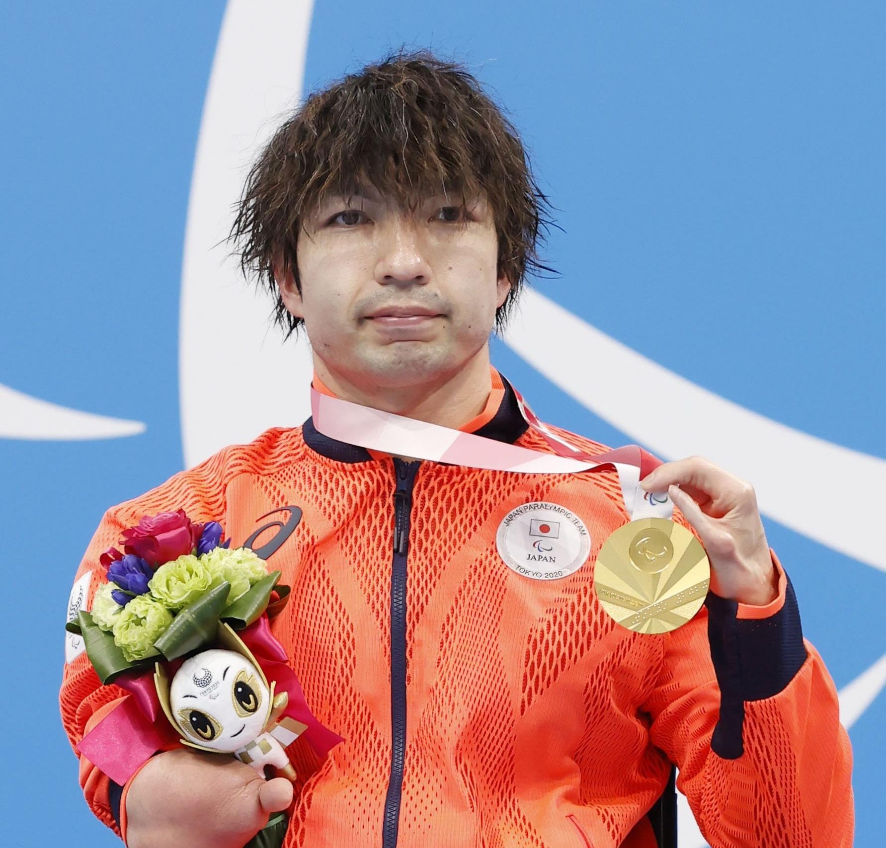 Alumni Takayuki Suzuki wins gold in 100m freestyle at Tokyo 2020 Paralympic Games!